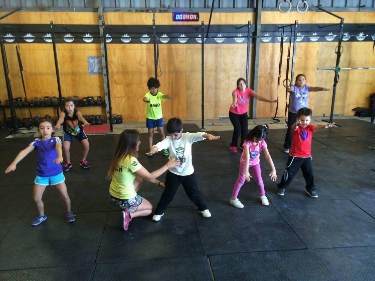 Los niños durante una clase de Reebok Crossfit Kids en Ñuñoa.
